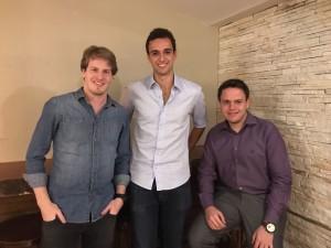 Criado por três estudantes, de 19 e 20 anos, Rafael Hamoui, Alan Kovari e André Kurbet, a plataforma, lançada recentemente já alcançou 100 mil usuários e pretende atingir 1 milhão de downloads em seu primeiro ano